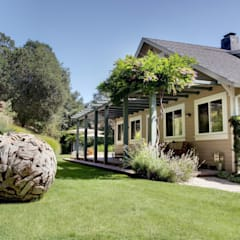 Casa em Sonoma, California: Jardins  por Antonio Martins Interior Design Inc