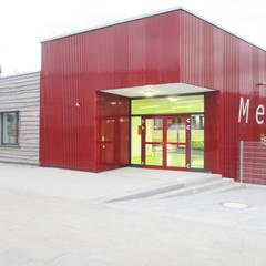 Neubau der Mensa einer Hauptschule in Frechen:  Schulen von Noesser Padberg Architekten GmbH