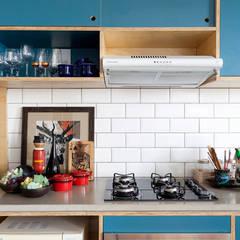Cozinha: Cozinhas  por INÁ Arquitetura
