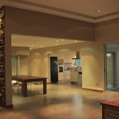 CASA MJM: Livings de estilo minimalista por JORGELINA ALVAREZ  I arquitecta I