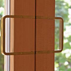 取手: 小林良孝建築事務所が手掛けた窓です。