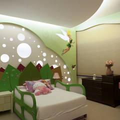Casa MBGC: Recámaras infantiles de estilo  por Arq Mobil