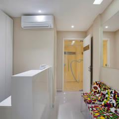 Clinics توسطCarolina Mendonça Projetos de Arquitetura e Interiores LTDA