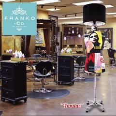 Ambientes Franko & Co.: Vestidores y closets de estilo  por Franko & Co.