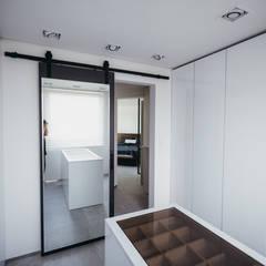 분당구 수내동 아파트 (before& after) : 샐러드보울 디자인 스튜디오의  드레스 룸,모던