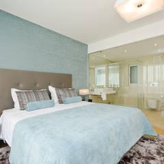 Private Interior Design Project - Albufeira: Quartos  por Simple Taste Interiors