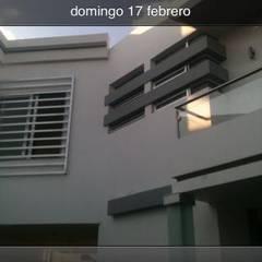 Casas de estilo  por OROPEZA ARQUITECTOS, Minimalista Vidrio