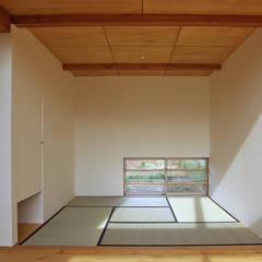Media room by 環境創作室杉