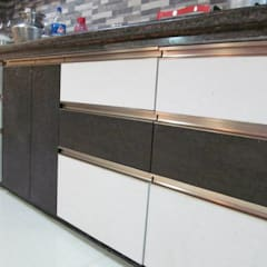 Kitchen by DESIGNER GALAXY