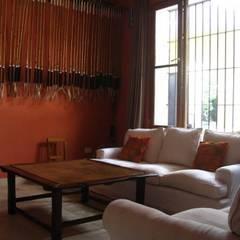 Von Neufforge: Livings de estilo  por Aulet & Yaregui Arquitectos,Colonial