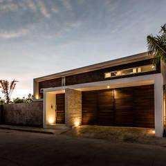 La Casa K27: Casas de estilo  por P11 ARQUITECTOS