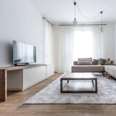 Appartamento Residenziale - Brianza - 2013 - 01: Soggiorno in stile  di Galleria del Vento