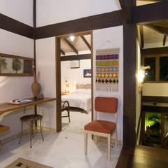 Casa da Praia Corredores, halls e escadas tropicais por Mellani Fotografias Tropical
