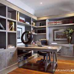 Caúcaso: Estudios y oficinas de estilo  por MARIANGEL COGHLAN