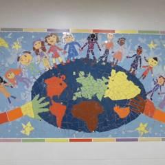 Fresques en mosaïque réalisées par les enfants de Rosny-sous-Bois: Ecoles de style  par Artothem