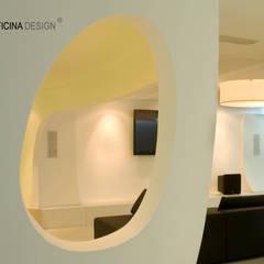 미니멀리스트 거실 by Oficina Design 미니멀