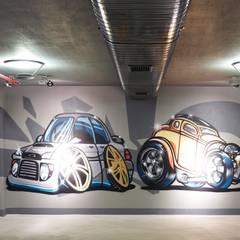 Pimodek Mimari Tasarım - Uygulama – Duvarda Graffiti Çalışması: modern tarz Garaj / Hangar