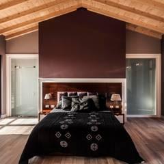 Pimodek Mimari Tasarım - Uygulama – KUMBURGAZ'DA VİLLA:  tarz Yatak Odası