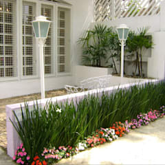 MC3 Arquitetura . Paisagismo . Interiores: minimal tarz tarz Bahçe