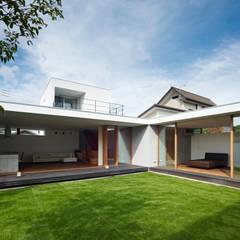 高林東町の家: 小野里信建築アトリエが手掛けた庭です。