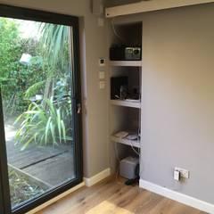 Hackney Home Cinema :  Media room by Garden2Office