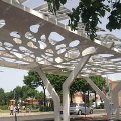 Garajes y galpones de estilo  por COFFICE, Mediterráneo Madera Acabado en madera