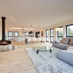 Attraktiv Penthouse: Moderne Wohnzimmer Von HONEYandSPICE Innenarchitektur + Design