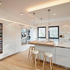 مطبخ تنفيذ HONEYandSPICE innenarchitektur + design , حداثي