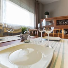 Home Staging en piso amueblado: Comedores de estilo  de Marca de Casa
