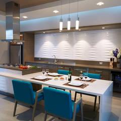 casa ORQUIDEA Cocinas minimalistas de arketipo-taller de arquitectura Minimalista