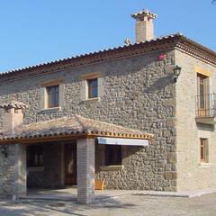บ้านและที่อยู่อาศัย by ALENTORN i ALENTORN ARQUITECTES, SLP