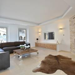Villa mit Meerblick in Port Andratx:  Multimedia-Raum von Element 5 Mallorca S.L.U.