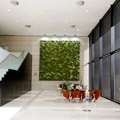 Muros Frescos: Palacios de congresos de estilo  de Muros Frescos