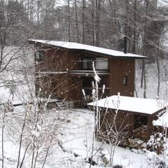 บ้านและที่อยู่อาศัย โดย 早田雄次郎建築設計事務所/Yujiro Hayata Architect & Associates, ผสมผสาน ไม้ Wood effect