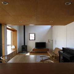 ห้องทานข้าว โดย 早田雄次郎建築設計事務所/Yujiro Hayata Architect & Associates, ผสมผสาน