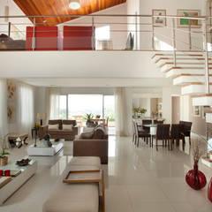 Residencial em Condominio : Salas de estar  por Habitat arquitetura