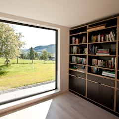 Eco House:  Study/office by Urban Creatures Architects