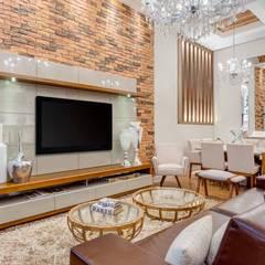 Salas de Estar e Jantar: Salas de estar  por Ideatto Móveis e Decorações