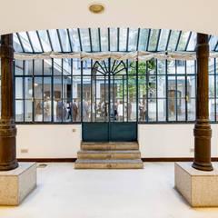 Invernadero The Sibarist : Ventanas de estilo  de The Sibarist Property & Homes