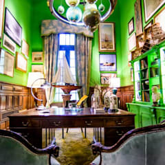 Escritorio Victoriano: Museos de estilo  por Agnes Deco . Antiques & Oddities,Ecléctico
