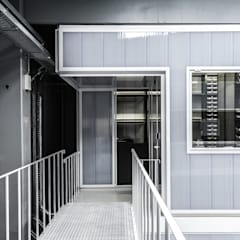 Parts Room - Controlar: Escritórios  por paulosantacruz.arquitetos