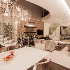 Projeto: Salas de jantar  por Heloisa Titan Arquitetura,Moderno
