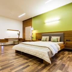 Jayesh bhai interiors: modern Bedroom by Vipul Patel Architects