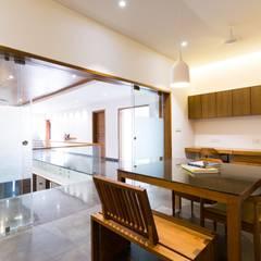 راهرو by Vipul Patel Architects
