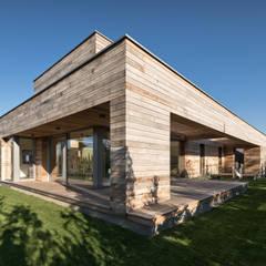 منزل خشبي تنفيذ Fotografia Przemysław Turlej, إسكندينافي خشب Wood effect