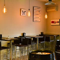 Proyecto de Apertura 19&Punto Gastrobar: Bodegas de estilo  de NACHO NAVARRO | ARQUITECTURA