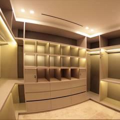 Casa ANV: Dormitorios de estilo moderno por Israel & Teper arquitectos