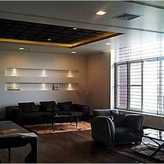 Salas / recibidores de estilo  por sunilchitara, Moderno