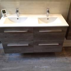 Salle de bains nature  : Salle de bains de style  par RG Intérieur