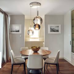 Apartament z widokiem na Motławę: styl , w kategorii Jadalnia zaprojektowany przez JT GRUPA